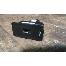 USB-хаб VW Jetta 2014-2018