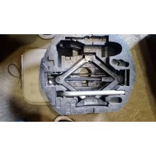 Box asy - stowage с инструментом VW Jetta 2014-2018